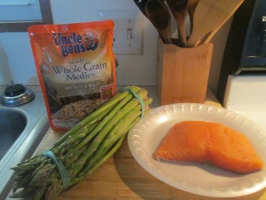 Walnut Crusted Salmon w Brown and Wild Rice and Asparagus 001
