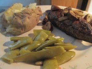 Buffalo 6 oz. Top Sirloin Steak w Baked Potato and Cut Italian B 004