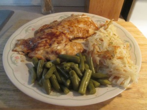 Blackened Gulf Coast Grouper w Hash Browns and Cut Green Beans 001