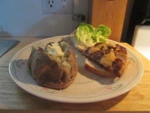 Blackened Mahi Mahi Sandwich w Baked Potato 010