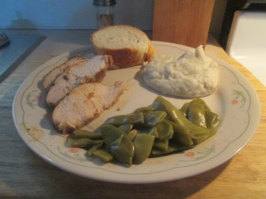 Cumin Spiced Turkey Breast Tenderloin w Mashed Potatoes, Cut Ita 013