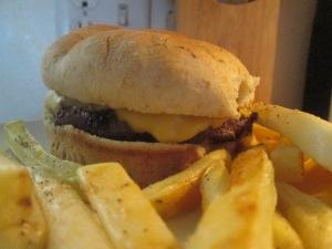 Buffalo Cheese Burger w Baked Fries 004