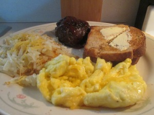 buffalo-steak-scrambled-eggs-and-hash-browns-009