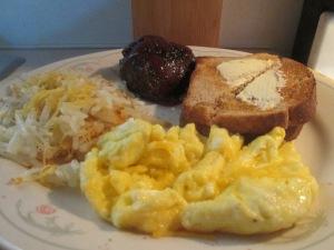 buffalo-steak-scrambled-eggs-and-hash-browns-009