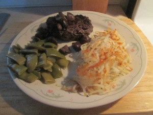 bison-chopped-sirloin-steak-w-hash-browns-and-cut-italian-green-001