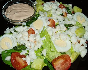crab-louie-salad-showing-main-ingredients