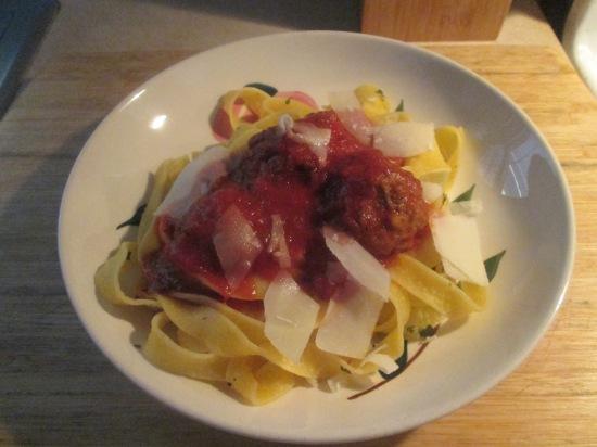egg-maccheroncini-w-turkey-meatballs-012