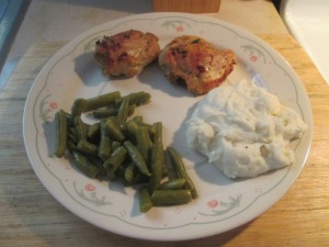 honey-mustard-chicken-thighs-w-mashed-potatoes-and-cut-green-bea-012