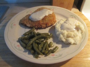 panko-crusted-cubed-pork-steak-gravy-mashed-potatoes-green-bn-002