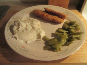 crispy-chicken-strips-mashed-potatoesd-cut-italian-green-be-002