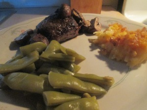 petite-buffalo-top-sirloin-steak-cheesey-hash-brown-casserole-013