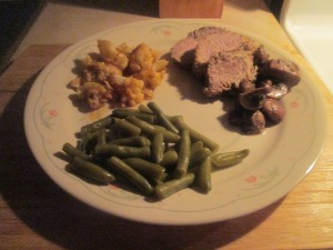 roasted-garlic-and-cracked-black-pepper-pork-tenderloin-011