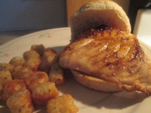 blackened-grouper-sandwich-w-baked-potato-puffs-011
