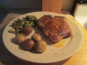 cumin-spiced-pork-chop-w-savory-herb-potatoes-and-cut-green-bean-003