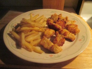 spicy-cajun-style-breaded-alligator-bites-w-baked-fries-and-fren-008