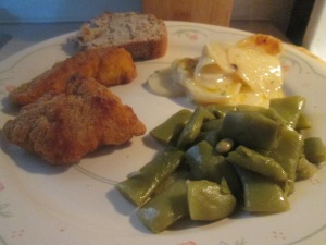 crispy-chicken-strips-w-scalloped-potato-casserole-and-cut-itali-003