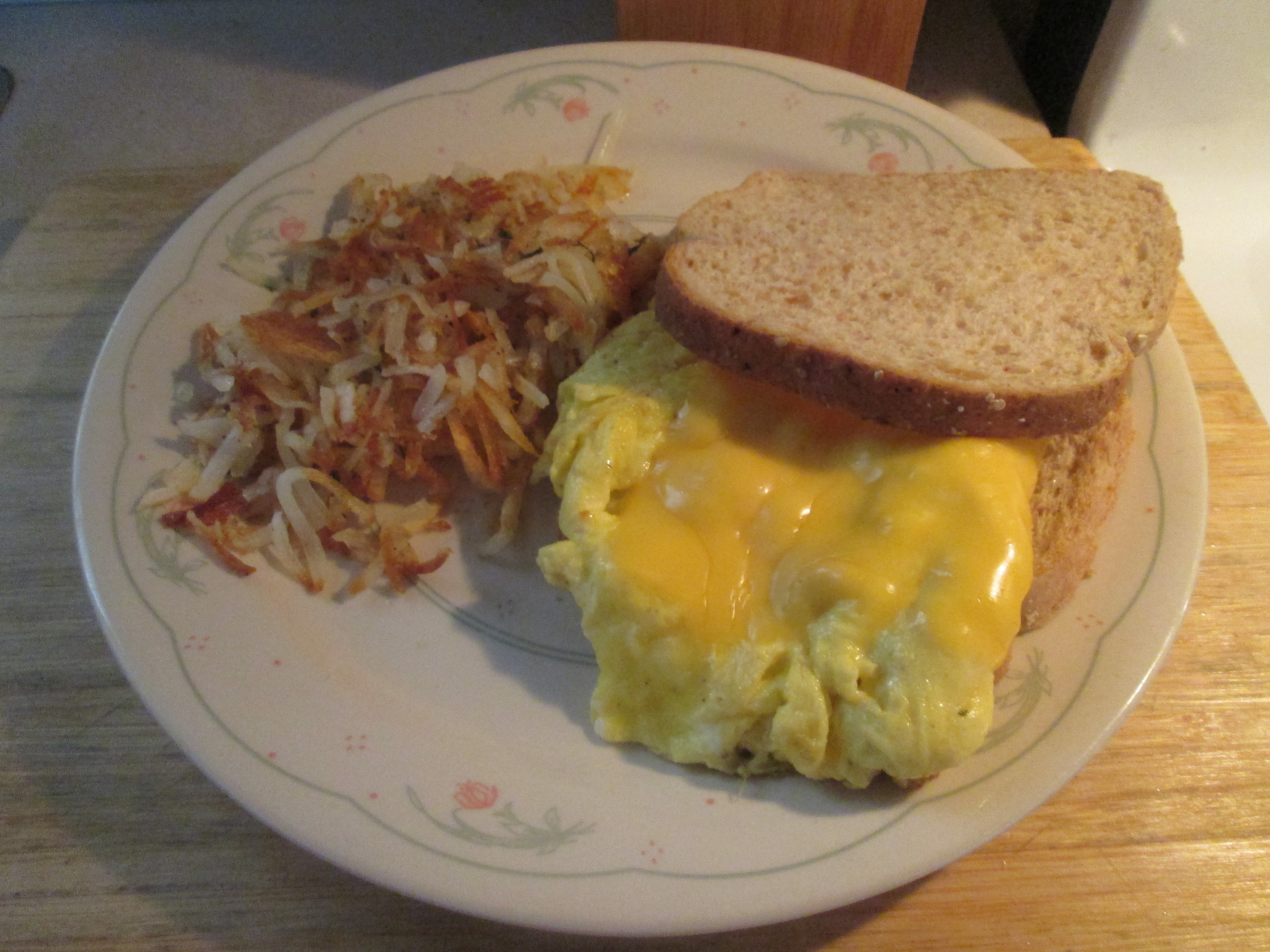 Egg Sandwich And Hash Browns 008 My Meals Are On Wheels
